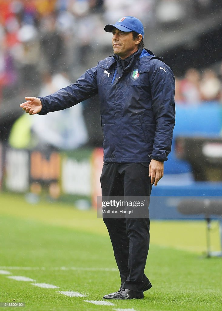 <a gi-track='captionPersonalityLinkClicked' href=/galleries/search?phrase=Antonio+Conte&family=editorial&specificpeople=2379002 ng-click='$event.stopPropagation()'>Antonio Conte</a> head coach of Italy gestures during the UEFA EURO 2016 round of 16 match between Italy and Spain at Stade de France on June 27, 2016 in Paris, France.