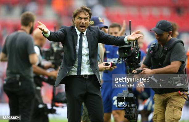 Antonio Conte manager head coach of Chelsea celebrates after the Premier League match between Tottenham Hotspur and Chelsea at Wembley Stadium on...