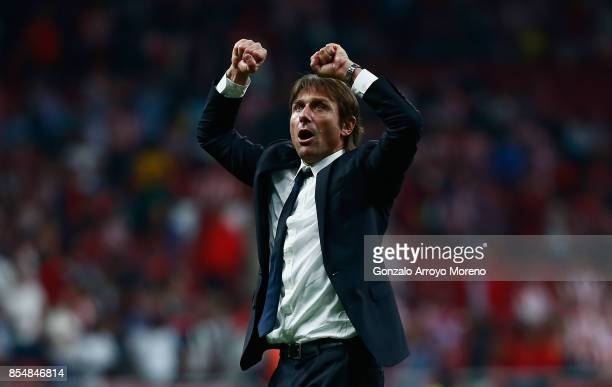 Antonio Conte Manager of Chelsea celebrates after winning the UEFA Champions League group C match between Atletico Madrid and Chelsea FC at Estadio...