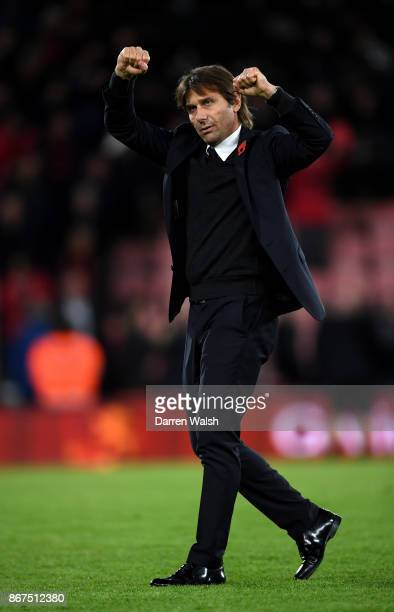 Antonio Conte Manager of Chelsea celebrates victory after the Premier League match between AFC Bournemouth and Chelsea at Vitality Stadium on October...