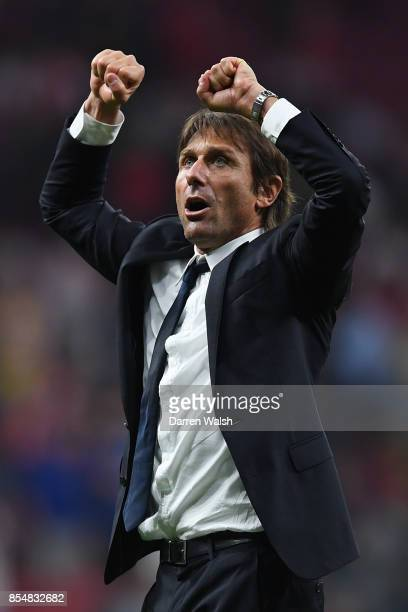 Antonio Conte Manager of Chelsea celebrates victory during the UEFA Champions League group C match between Atletico Madrid and Chelsea FC at Estadio...