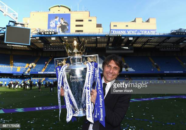 Antonio Conte Manager of Chelsea celebrates winning the league following the Premier League match between Chelsea and Sunderland at Stamford Bridge...