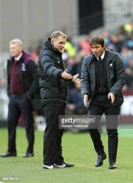 Antonio Conte Manager of Chelsea confronts the 4th Official during the Premier League match between West Ham United and Chelsea at London Stadium on...