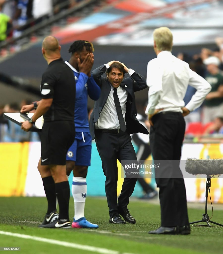 Antonio Conte, Manager of Chelsea reacts during The Emirates FA Cup Final between Arsenal and Chelsea at Wembley Stadium on May 27, 2017 in London, England.
