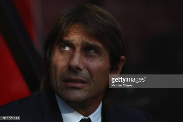 Antonio Conte the manager of Chelsea during the Premier League match between AFC Bournemouth and Chelsea at Vitality Stadium on October 28 2017 in...
