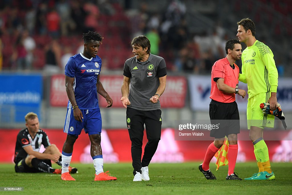 Antonio Conte the manager of Chelsea speaks with Michy Batshuayi of Chelsea during the pre season friendly match between WAC RZ Pellets and Chelsea FC at the Worthersee Stadion on July 20, 2016 in Klagenfurt, Austria.