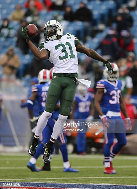 Antonio Cromartie of the New York Jets makes a catch during warm ups against the Buffalo Bills at Ralph Wilson Stadium on January 03 2016 in Orchard...