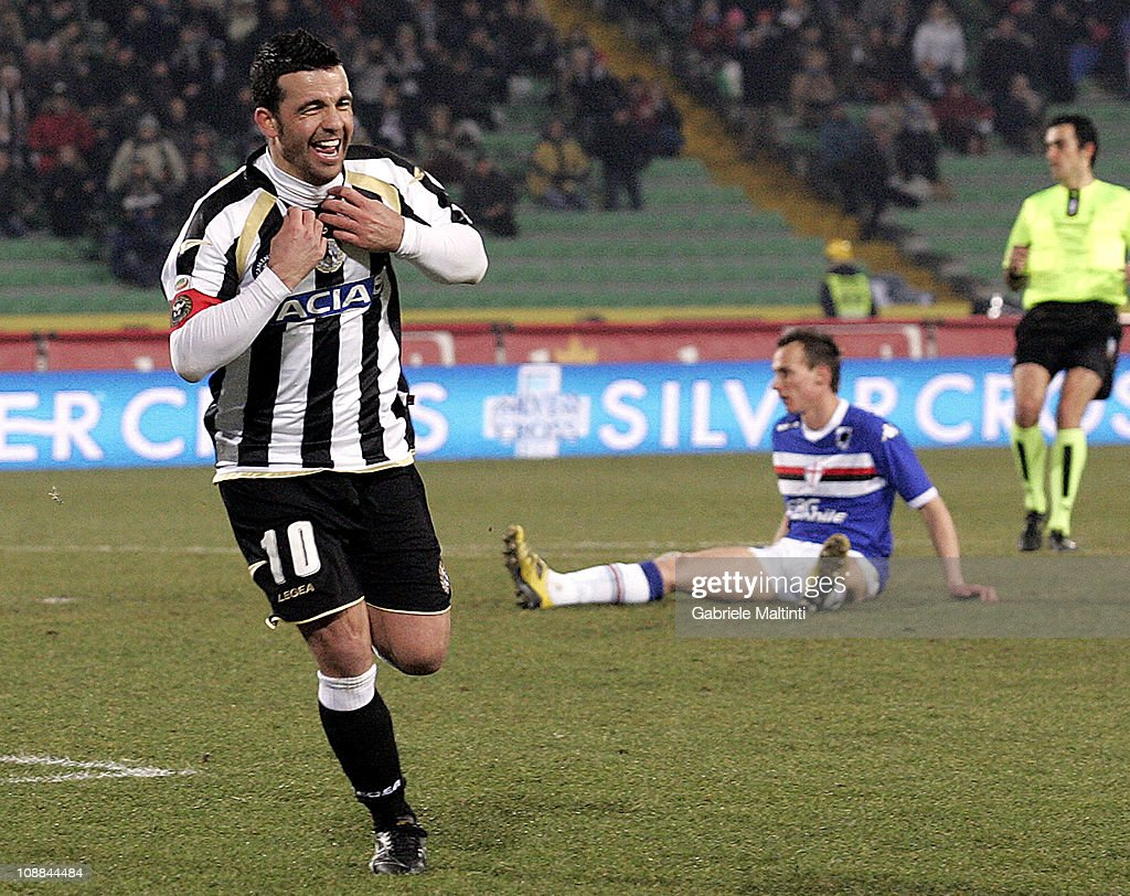 Antonio Di Natale of Udinese Calcio celebrates after scoring a goal during the Serie A match between Udinese Calcio and UC Sampdoria at Stadio Friuli on February 5, 2011 in Udine, Italy.