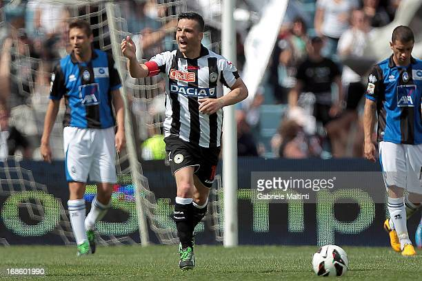 Antonio Di Natale of Udinese Calcio celebrates after scoring a goal during the Serie A match between Udinese Calcio and Atalanta BC at Stadio Friuli...
