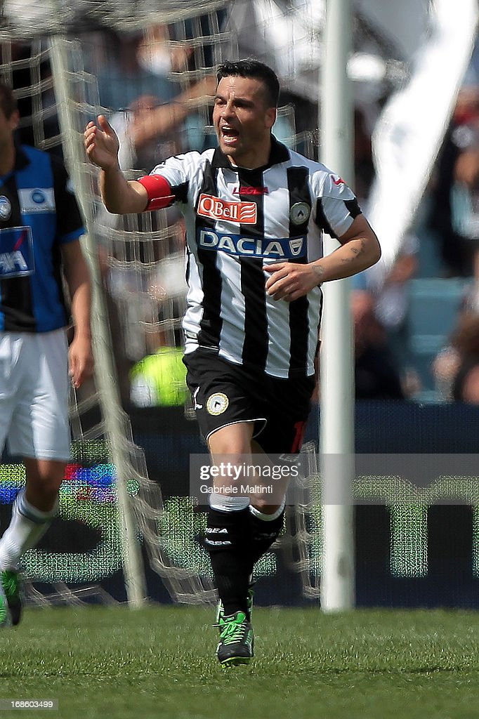 <a gi-track='captionPersonalityLinkClicked' href=/galleries/search?phrase=Antonio+Di+Natale&family=editorial&specificpeople=727545 ng-click='$event.stopPropagation()'>Antonio Di Natale</a> of Udinese Calcio celebrates after scoring a goal during the Serie A match between Udinese Calcio and Atalanta BC at Stadio Friuli on May 12, 2013 in Udine, Italy.