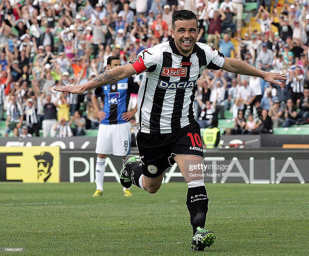 Antonio Di Natale of Udinese Calcio celebrates his second goal during the Serie A match between Udinese Calcio and Atalanta BC at Stadio Friuli on...