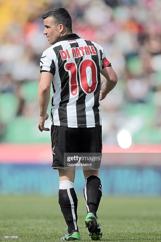 <a gi-track='captionPersonalityLinkClicked' href=/galleries/search?phrase=Antonio+Di+Natale&family=editorial&specificpeople=727545 ng-click='$event.stopPropagation()'>Antonio Di Natale</a> of Udinese Calcio in action during the Serie A match between Udinese Calcio and Atalanta BC at Stadio Friuli on May 12, 2013 in Udine, Italy.