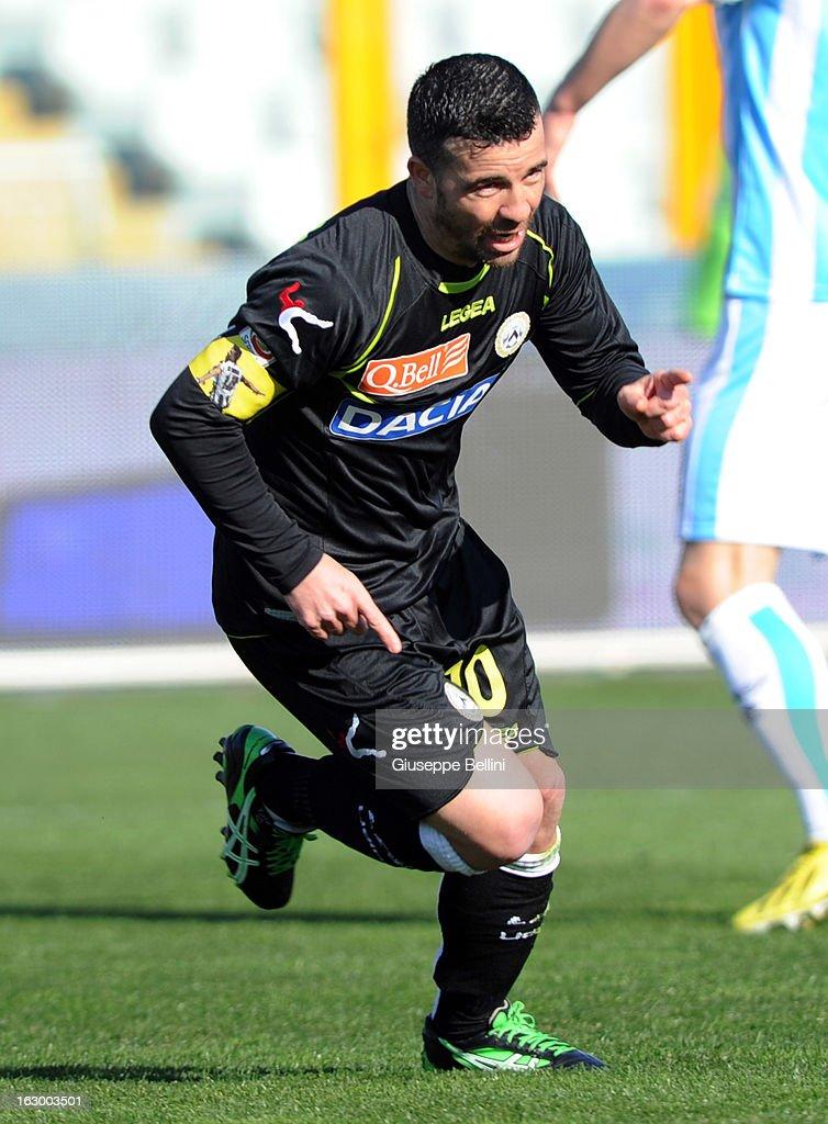 Antonio Di Natale of Udinese celebrates after scoring the opening goal during the Serie A match between Pescara and Udinese Calcio at Adriatico Stadium on March 3, 2013 in Pescara, Italy.