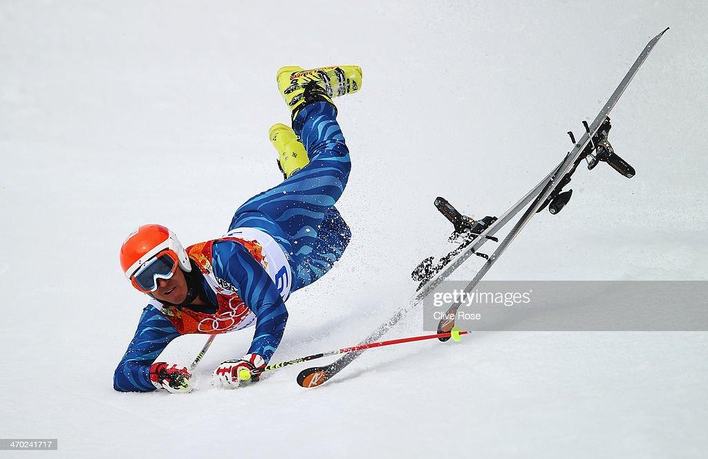 Antonio Jose Pardo Andretta of Venezuela falls during the Alpine Skiing Men's Giant Slalom on day 12 of the Sochi 2014 Winter Olympics at Rosa Khutor Alpine Center on February 19, 2014 in Sochi, Russia.