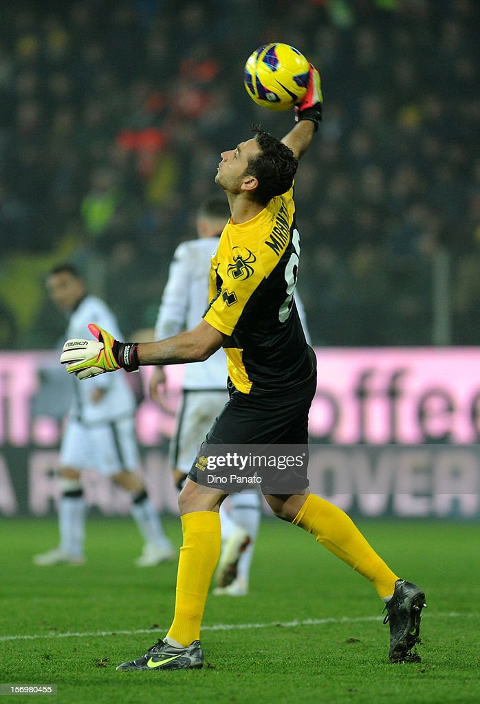 <a gi-track='captionPersonalityLinkClicked' href=/galleries/search?phrase=Antonio+Mirante&family=editorial&specificpeople=2114402 ng-click='$event.stopPropagation()'>Antonio Mirante</a> goalkeeper of Parma FC in action at Stadio Ennio Tardini on November 26, 2012 in Parma, Italy.