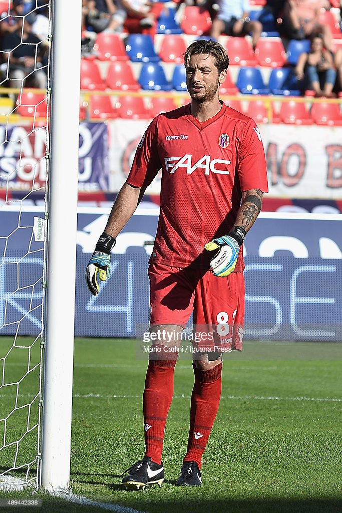 <a gi-track='captionPersonalityLinkClicked' href=/galleries/search?phrase=Antonio+Mirante&family=editorial&specificpeople=2114402 ng-click='$event.stopPropagation()'>Antonio Mirante</a> goalkkeper of Bologna FC reacts during the Serie A match between Bologna FC and Frosinone Calcio at Stadio Renato Dall'Ara on September 20, 2015 in Bologna, Italy.