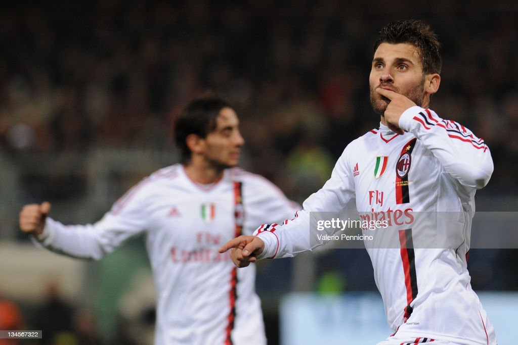 <a gi-track='captionPersonalityLinkClicked' href=/galleries/search?phrase=Antonio+Nocerino&family=editorial&specificpeople=675969 ng-click='$event.stopPropagation()'>Antonio Nocerino</a> (R) of AC Milan celebrates a goal during the Serie A match between Genoa CFC and AC Milan at Stadio Luigi Ferraris on December 2, 2011 in Genoa, Italy.