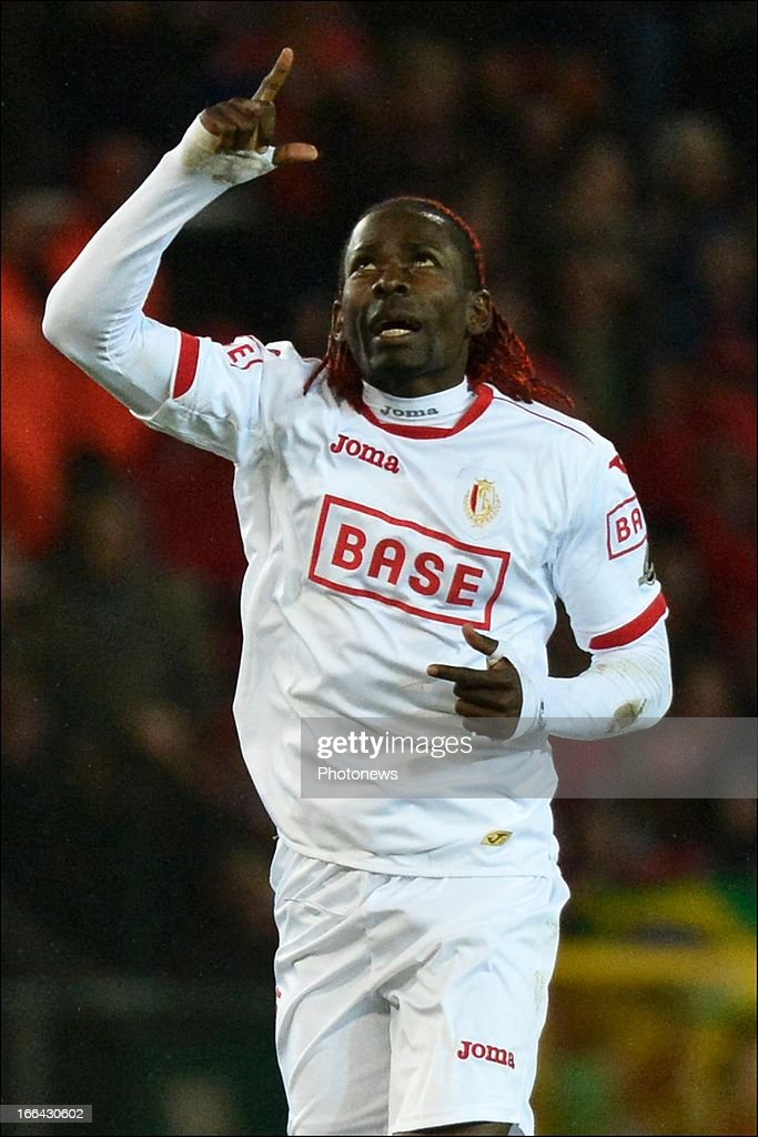Antonio Pereira Dos Santos aka Kanu of Standard celebrates scoring a goal during the Jupiler League match play-off 1 between Zulte Waregem and Standard de Liege on April 12, 2013 in Waregem, Belgium.