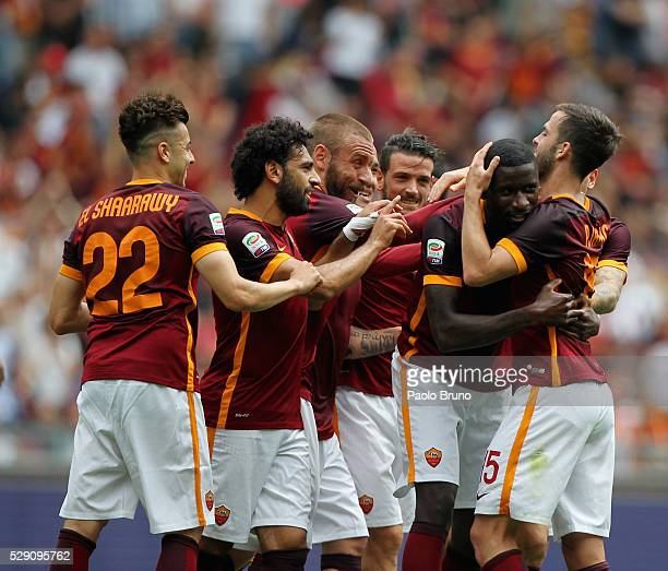 Antonio Rudiger with his teammates of AS Roma celebrates after scoring the team's second goal during the Serie A match between AS Roma and AC Chievo...