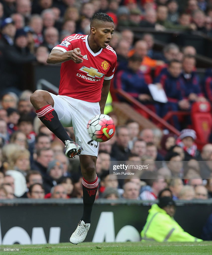 <a gi-track='captionPersonalityLinkClicked' href=/galleries/search?phrase=Antonio+Valencia&family=editorial&specificpeople=543830 ng-click='$event.stopPropagation()'>Antonio Valencia</a> of Manchester United in action during the Barclays Premier League match between Manchester United and Leicester City at Old Trafford on May 1, 2016 in Manchester, England.