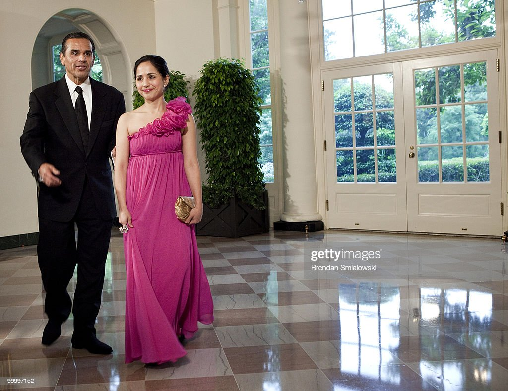 Antonio Villaraigosa, Mayor of Los Angeles, California, and Prisila Rodriguez arrive at the White House for a state dinner May 19, 2010 in Washington, DC. President Barack Obama and first lady Michelle Obama are hosting Mexican President Felipe Calderon and his wife Margarita Zavala for a state dinner during their visit to the United States.