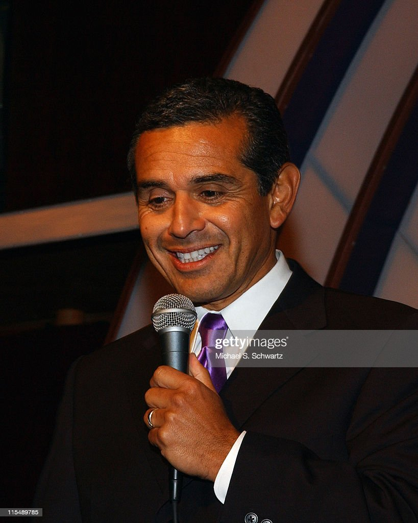 <a gi-track='captionPersonalityLinkClicked' href=/galleries/search?phrase=Antonio+Villaraigosa&family=editorial&specificpeople=178925 ng-click='$event.stopPropagation()'>Antonio Villaraigosa</a>, Mayor of Los Angeles during L.A. County Young Democrats' Laurel Awards at The Laugh Factory at The Laugh Factory in Hollywood, California, United States.