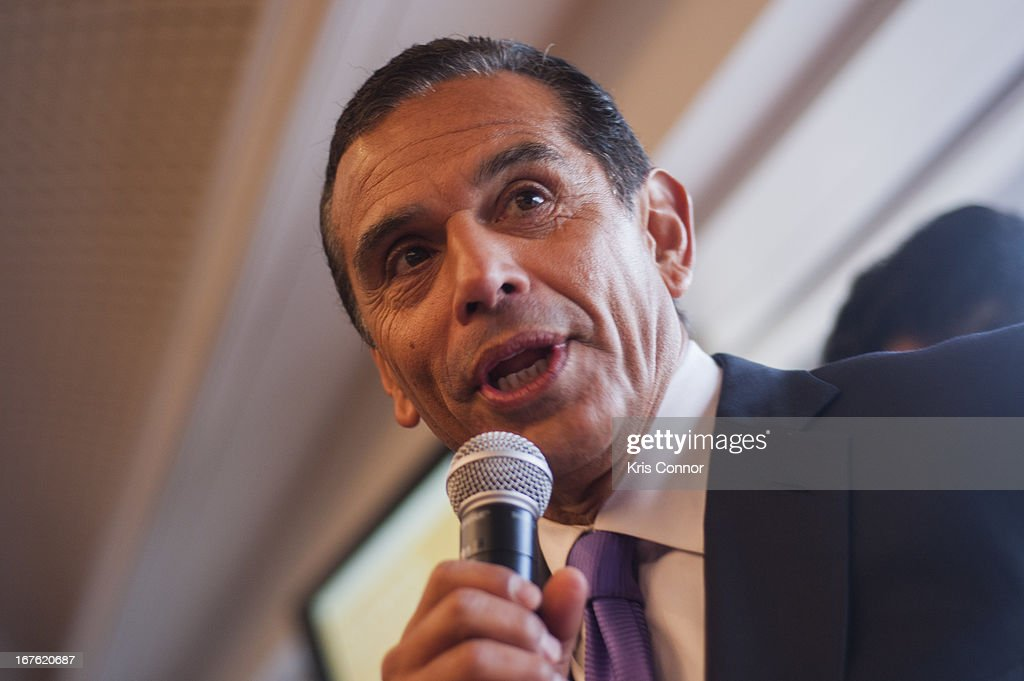 <a gi-track='captionPersonalityLinkClicked' href=/galleries/search?phrase=Antonio+Villaraigosa&family=editorial&specificpeople=178925 ng-click='$event.stopPropagation()'>Antonio Villaraigosa</a> speaks during the 4th Annual Our Voices: Celebrating Diversity in Media reception to benefit Voto Latino at The Hay-Adams on April 26, 2013 in Washington, DC.
