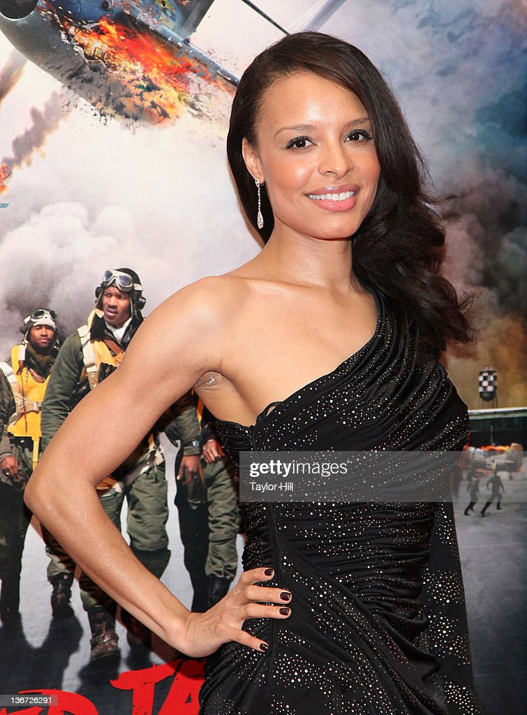 Antonique Smith attends the 'Red Tails' premiere at the Ziegfeld Theater on January 10 2012 in New York City