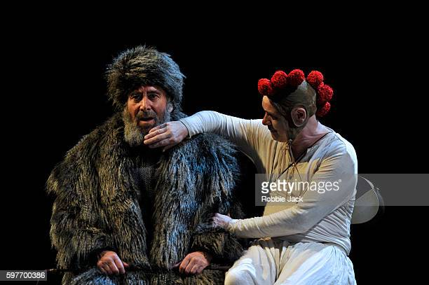 the roles of a fool in king lear by william shakespeare Is king lear a tragic hero  he is able to inspire loyalty and his dealings with the fool show him to be  king lear themes: shakespeare 'king lear.