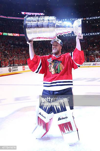 Antti Raanta of the Chicago Blackhawks celebrates with the Stanley Cup after defeating the Tampa Bay Lightning by a score of 20 in Game Six to win...