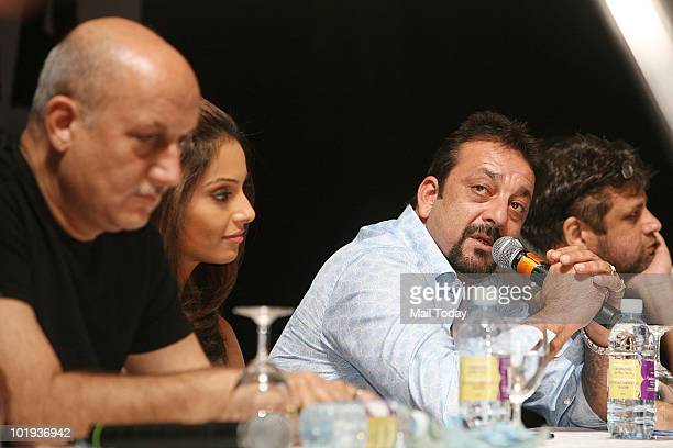 Anupam Kher Bipasha Basu and Sanjay Dutt at the IIFA awards in Colombo on June 4 2010