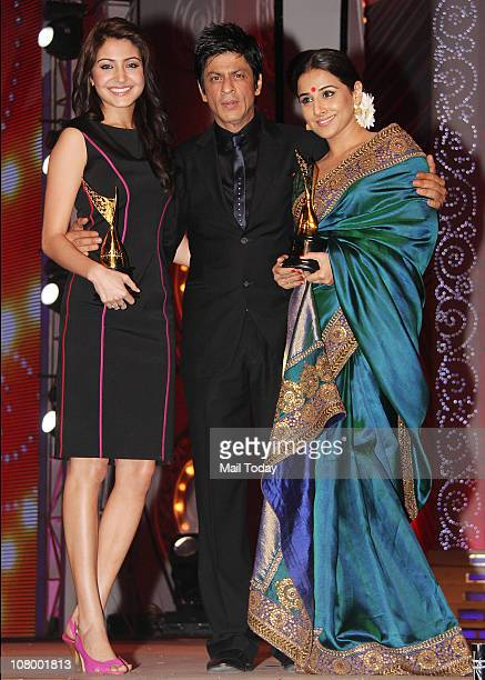 Anushka Sharma Shahrukh Khan and Vidya Balan at the Chevrolet Apsara Awards in Mumbai