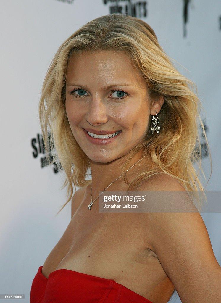 Anya Benton Nude Photos 45