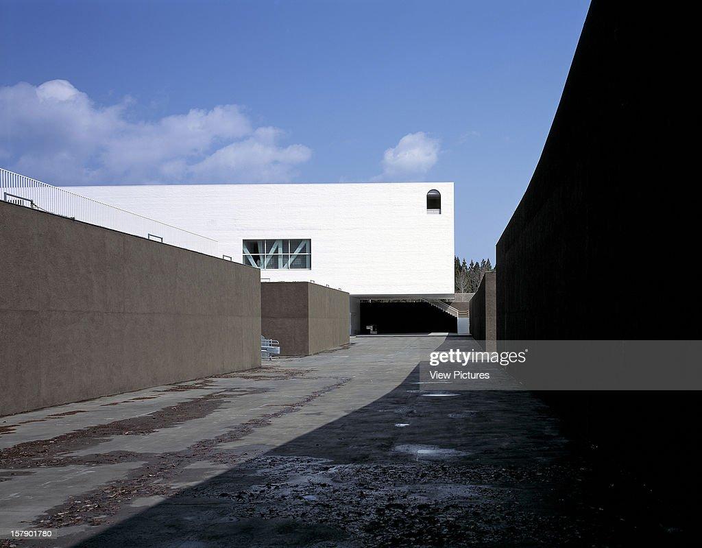 Aomori Museum Of Art Aomori Japan Architect Jun Aoki Aomori Museum Of Art Exterior View Showing Excavated Voids