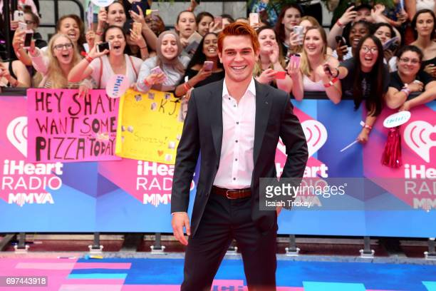 Apa arrives at the 2017 iHeartRADIO MuchMusic Video Awards at MuchMusic HQ on June 18 2017 in Toronto Canada