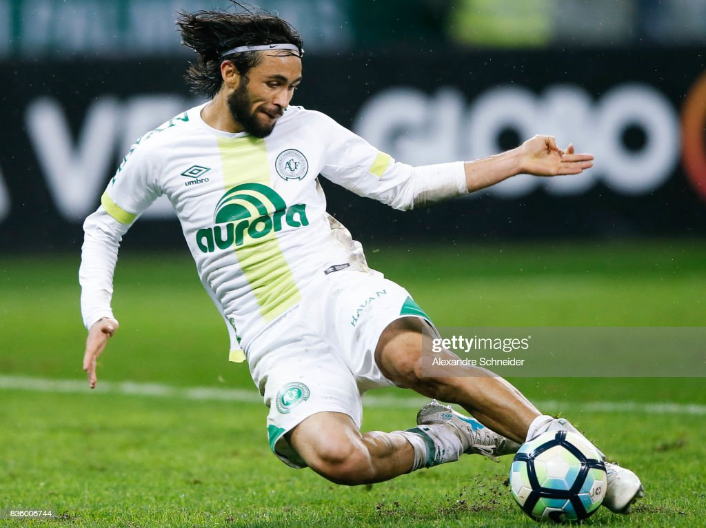 Apodi of Chapecoense in action during the match between Palmeiras and Chapecoense for the Brasileirao Series A 2017 at Aliians Parque Stadium on August 20, 2017 in Sao Paulo, Brazil.