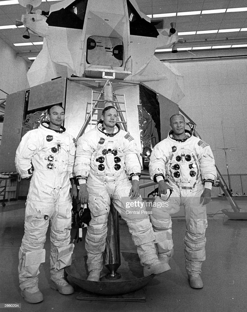 neil armstrong was left handed - photo #42