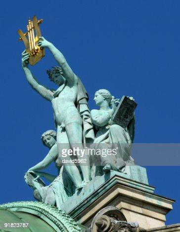 Image De Apollon apollon sur les toits à lopéra de paris stock photo | thinkstock
