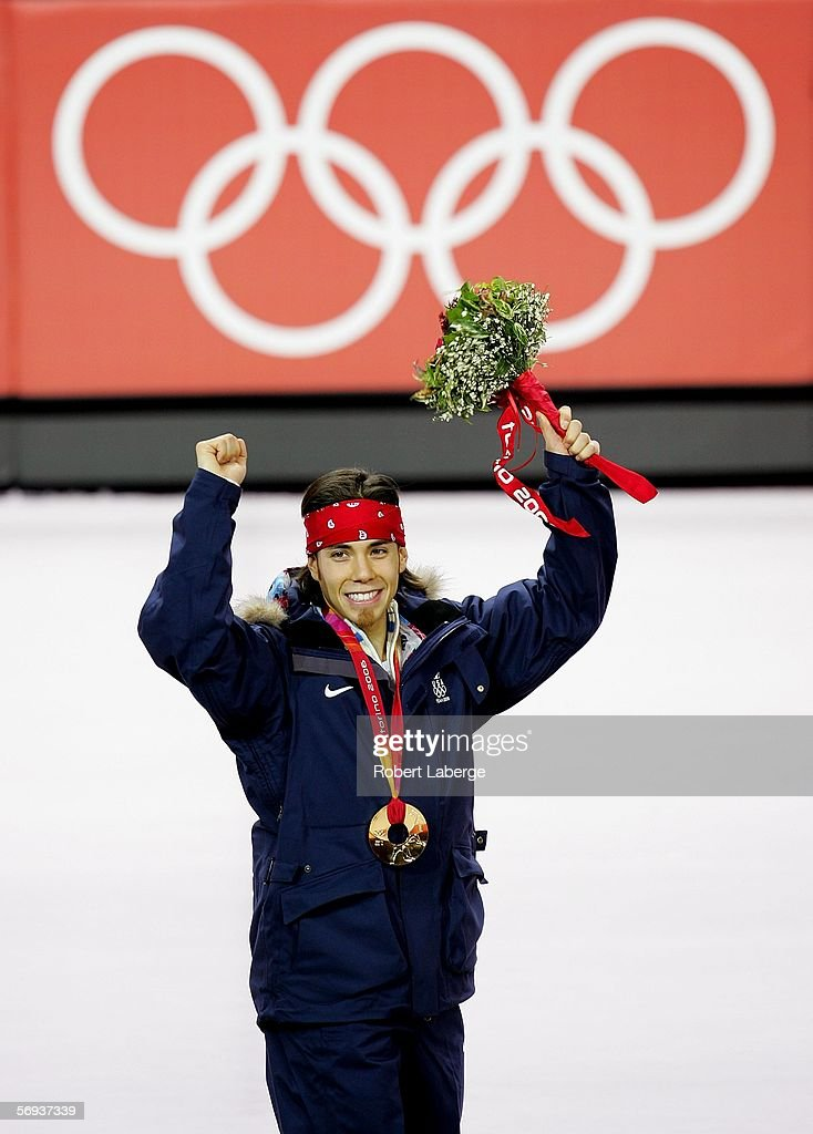Anton United States  City new picture : Apolo Anton Ohno of the United States celebrates with the gold medal ...