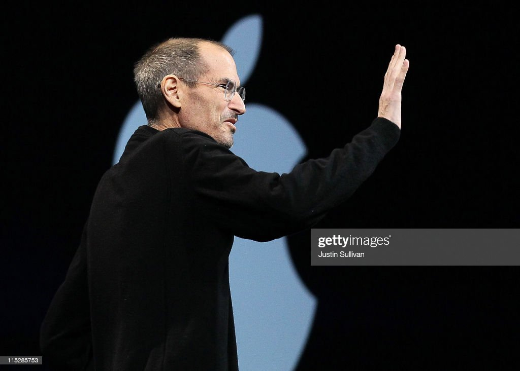 Apple CEO <a gi-track='captionPersonalityLinkClicked' href=/galleries/search?phrase=Steve+Jobs&family=editorial&specificpeople=204493 ng-click='$event.stopPropagation()'>Steve Jobs</a> waves as he delivers the keynote address at the 2011 Apple World Wide Developers Conference at the Moscone Center on June 6, 2011 in San Francisco, California. Apple CEO <a gi-track='captionPersonalityLinkClicked' href=/galleries/search?phrase=Steve+Jobs&family=editorial&specificpeople=204493 ng-click='$event.stopPropagation()'>Steve Jobs</a> returned from sick leave to introduce Apple's new iCloud storage system and the next versions of Apple's iOS and Mac OSX.