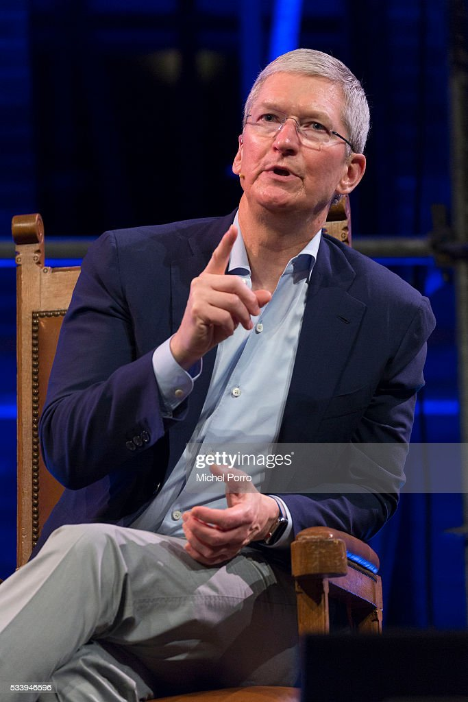 Apple Ceo <a gi-track='captionPersonalityLinkClicked' href=/galleries/search?phrase=Tim+Cook+-+Direttore+generale&family=editorial&specificpeople=8084206 ng-click='$event.stopPropagation()'>Tim Cook</a> attends the kick-off of Startup Fest Europe on May 24, 2016 in Amsterdam, The Netherlands. The event facilitates match-making between investors and startup entrepreneurs from all over the world.