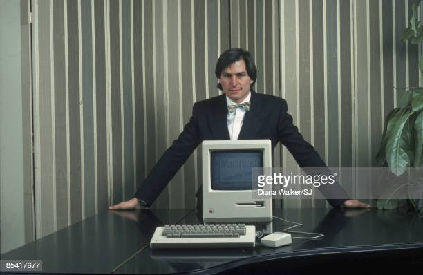 Apple Computer founder Steve Jobs with a Macintosh computer in New York City in 1984 IMAGE PREVIOUSLY A PART OF THE TIME LIFE COLLECTION