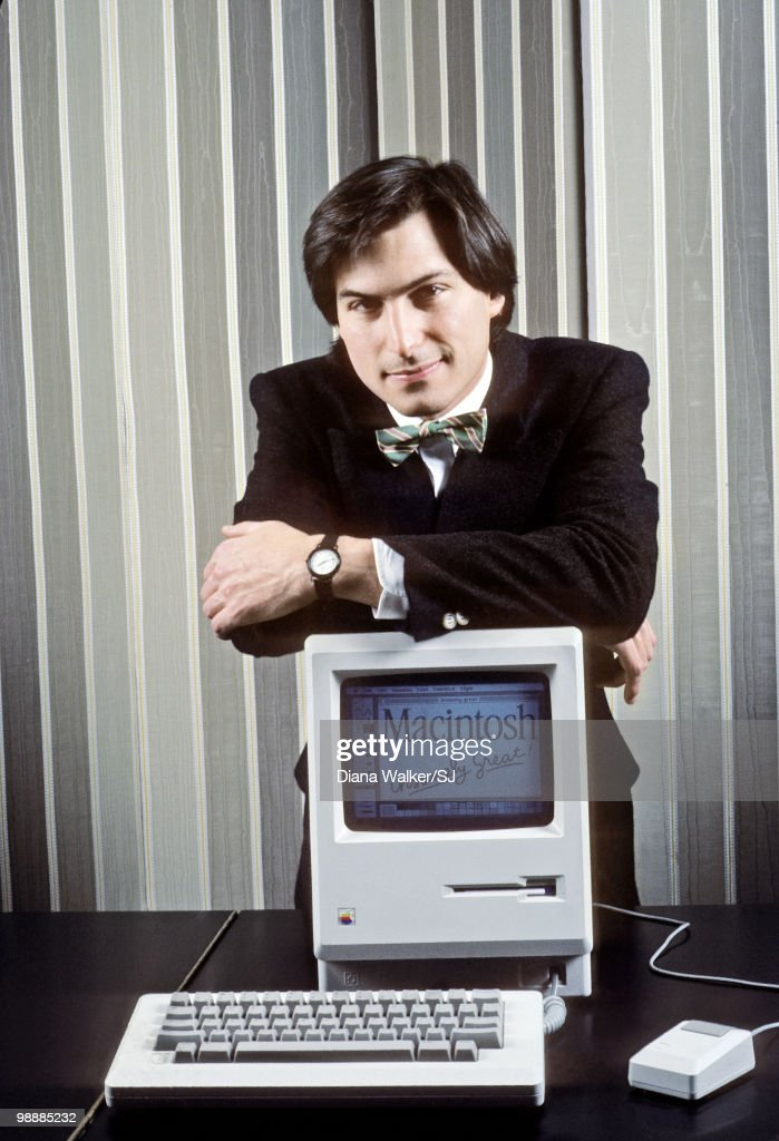 Apple Computer founder <a gi-track='captionPersonalityLinkClicked' href=/galleries/search?phrase=Steve+Jobs&family=editorial&specificpeople=204493 ng-click='$event.stopPropagation()'>Steve Jobs</a> with a Macintosh computer in New York City in 1984.