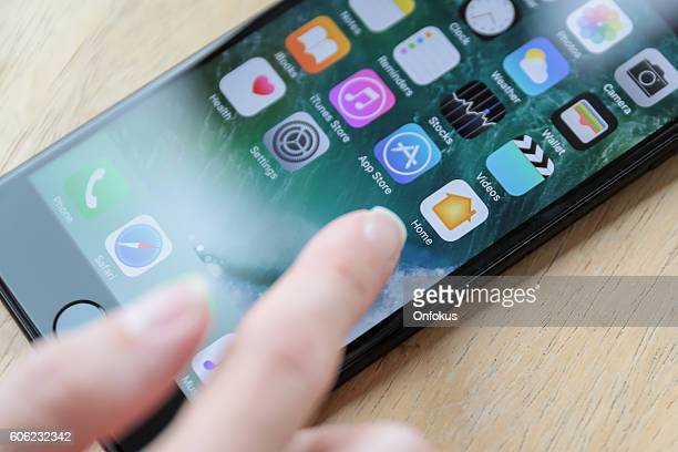 Apple iPhone 7 Plus Jet Black Home Screen