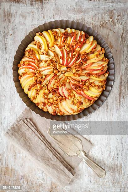Apple pie with honey cashew nuts made of oat flakes and whole spelt flour