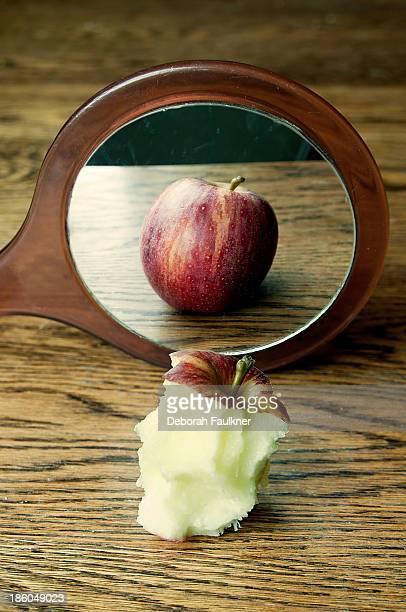 Apple reflection