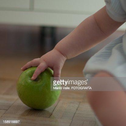 Apple-hand : Foto de stock