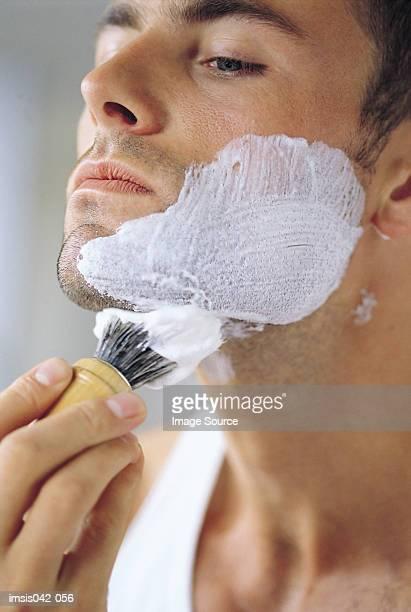 Applying shaving foam