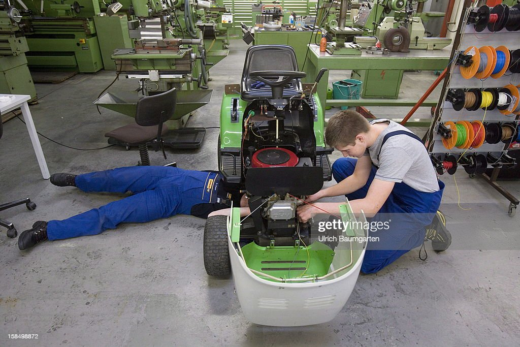 Apprenticeship as agricultural machines mechanic in the Butzweilerhof education center of chamber of commerce Cologne on December 10, 2012 in Cologne, Germany. The Butzweilerhof in Cologne-Ossendorf, which is the older of the two centres of learning, places emphasis on courses that are mandatory to almost all trainees in the handicraft in addition to the training at their employers workshops and the instruction at vocational schools, every year these courses have about 10,000 participants.