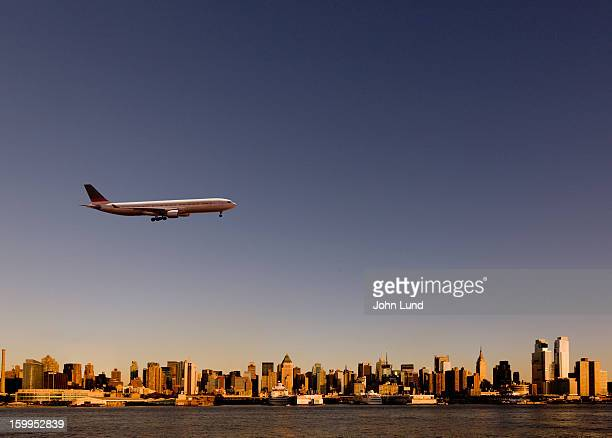 Approaching jetliner over New York